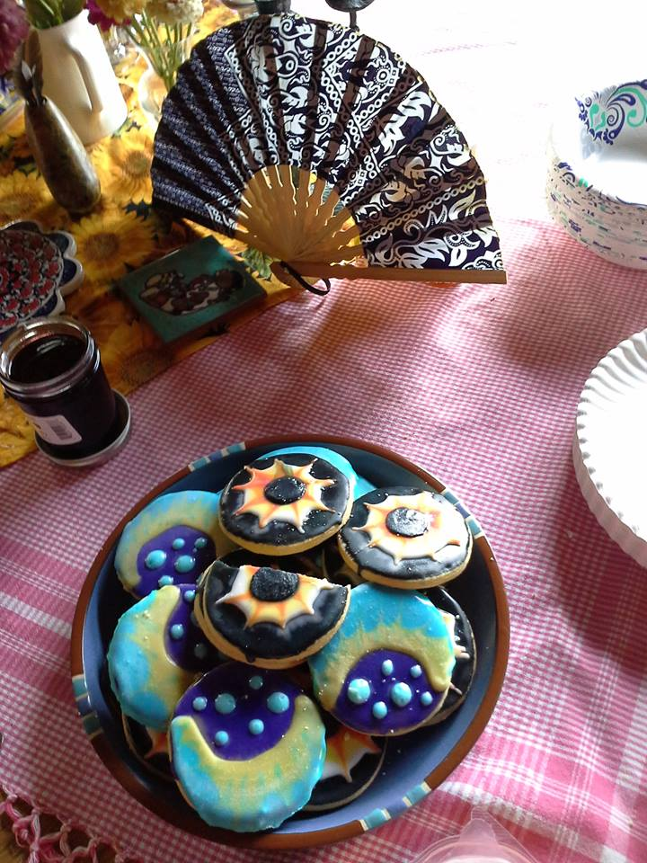 Eclipse cookies.jpg